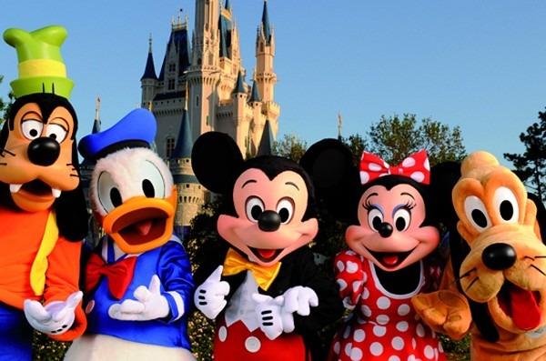 Só pateta não se diverte trabalhando na Disney*